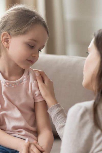 rozhovor mamy s dieťaťom