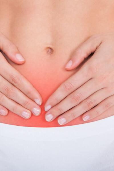 znázornenie menštruačných bolestí na brušku